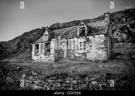 A small derelict cottage in the Highlands of Scotland - Stock Photo