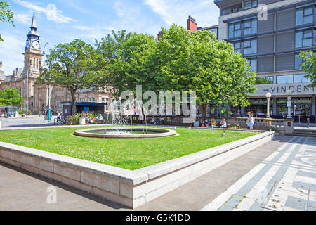 Town gardens and fountain in the Victorian town of Southport, Merseyside, UK - Stock Photo
