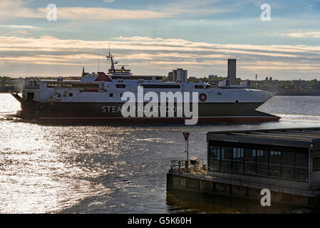 Liverpool Merseyside North West England. The Isle of Man car ferry catamaran the Manannan leaving Liverpool in the - Stock Photo