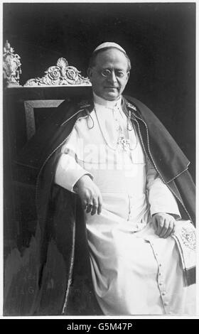 Szenen aus dem Leben von Papst Pius XI. Impressions of life of pope Pius XI (1857 - 1939) - Stock Photo