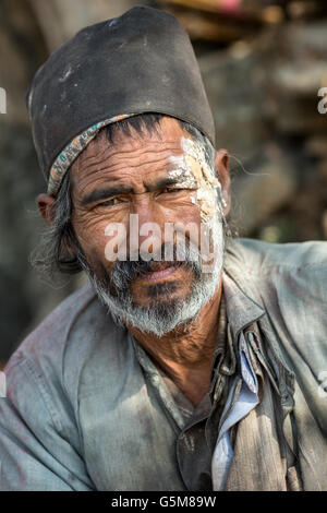 Nepalese street worker, Kathmandu, Nepal - Stock Photo