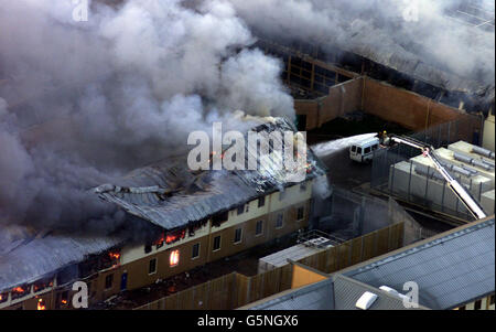 Fire at Yarl's Wood Centre - Stock Photo