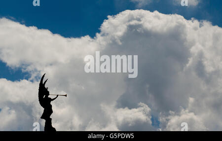 Nuremberg, Germany. 22nd June, 2016. A Valkyrie with flourish can be seen against a backdrop of clouds on the roof - Stock Photo