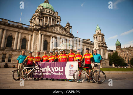 Belfast City Hall, Belfast, UK. 23 June 2016 A team of Antrim cyclists Led by brothers Paul and Nick Bonar set off - Stock Photo