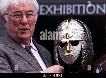 Seamus Heaney opens National Trust exhibition - Stock Photo