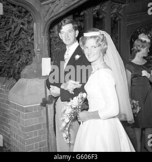 Mountaineering - Wedding of George Lowe and Susan Hunt - Oxfordshire - Stock Photo