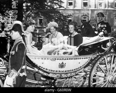 Dutch Royalty - Princess Margriet, Princess Beatrix and Princess Irene - Hall of Knights - The Hague - Stock Photo