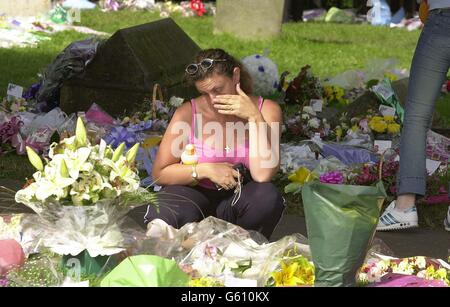 Holly & Jessica floral tributes - Stock Photo