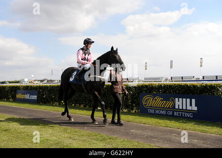 Horse Racing - William Hill Lincoln Day - Doncaster Racecourse - Stock Photo