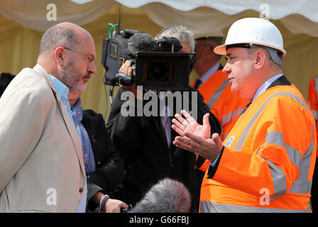 Scotlands First Minister Alex Salmond is questioned by Panorama reporter John Sweeney at a ceremony to name the - Stock Photo