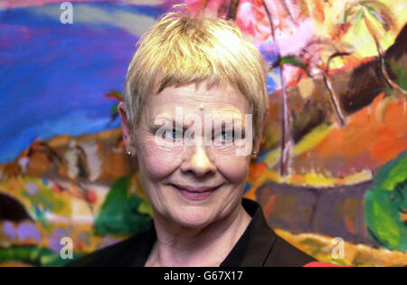 Actress Dame Judi Dench officially opens the Iris Murdoch Centre for Dementia at Stirling University, havinng played - Stock Photo