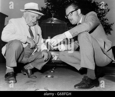 Television - Whicker - With The Cat's Eyes Man - Alan Whicker and Percy Shaw - Stock Photo