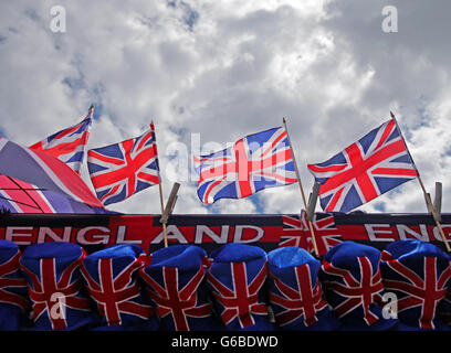 London, UK. 24th June, 2016. British flags at a souvenir shop in London, England, 24 June 2016. The British decided - Stock Photo