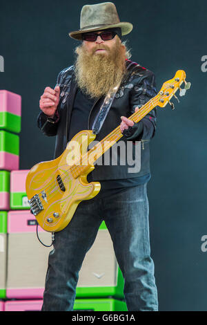 Glastonbury, Somerset, UK. 24th June, 2016. ZZ Top play the Pyramid Stage - The 2016 Glastonbury Festival, Worthy - Stock Photo