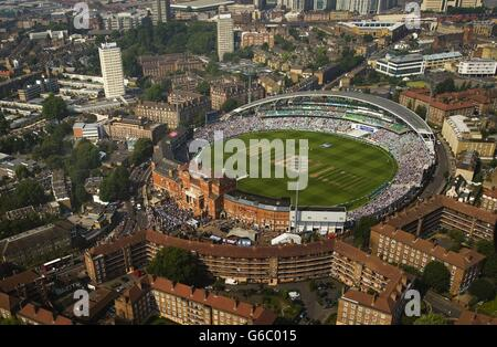 Cricket - Fifth Investec Ashes Test - Day Three - England v Australia - The Kia Oval - Stock Photo