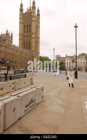 Anti-Terrorism Block at Westminster - Stock Photo