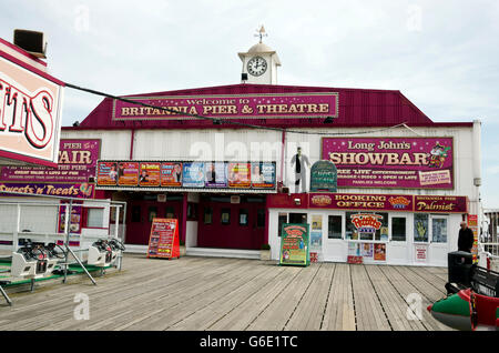 The Britannia Pier and Theatre at Great Yarmouth in Norfolk, England. - Stock Photo