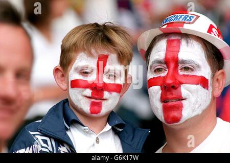 Soccer, Euro 96. England v Spain, Wembley. Young England fan with father