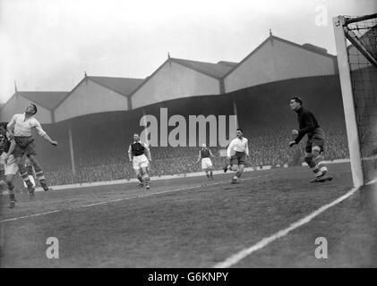 Soccer - League Division One - Arsenal v Tottenham Hotspur - Highbury - Stock Photo