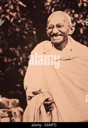 Mohandas Karamchand Gandhi -said the Mahatma (Porbandar, October 2, 1869 - New Delhi, January 30, 1948) -