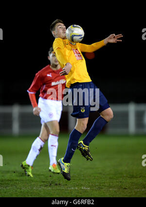 Soccer - FA Youth Cup - Fourth Round - Oxford United v Cardiff City - Draycott Engineering Loop Meadow Stadium - Stock Photo
