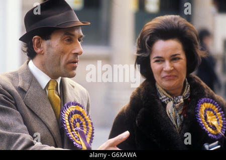 Politics - General Election Campaign - Jeremy Thorpe and Marion Stein - Barnstaple - Stock Photo