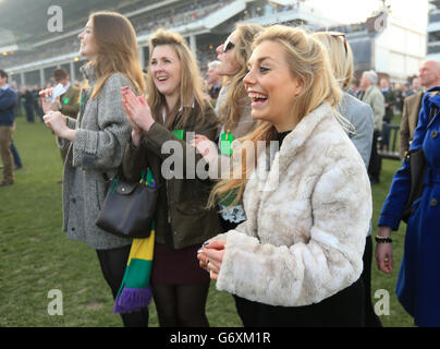 Horse Racing - 2014 Cheltenham Festival - St Patrick's Day - Cheltenham Racecourse - Stock Photo
