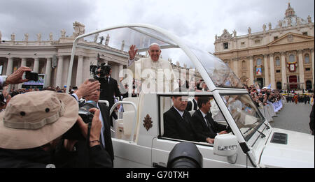 Canonisation of John XXIII and John Paul II - Vatican - Stock Photo