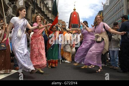 Religion -  'Ratha-Yatra Carnival of Chariots'  - Hare Krishna Devotees - London - Stock Photo