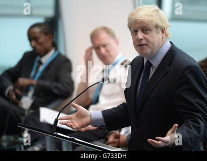 Policing Global Cities: Gangs Summit at City Hall in London - Stock Photo