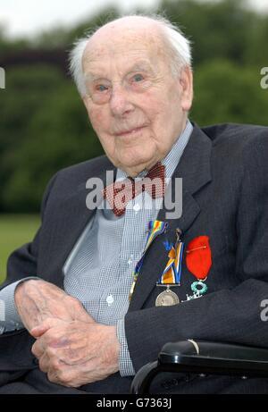 Henry Allingham veterans Garden Party - Stock Photo