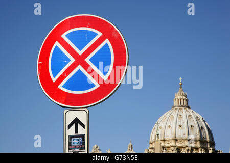 No parking ahead sign near the Basilica di San Pietro (St Peter's), Vatican City, Rome, Italy - Stock Photo