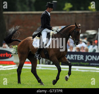 Equestrian - Bramham International Horse Trials - Day Two - Bramham Park - Stock Photo