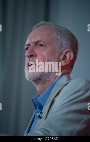 London, UK. 25th June 2016. Labour Party leader Jeremy Corbyn MP launching post referendum Brexit strategy and confirming - Stock Photo