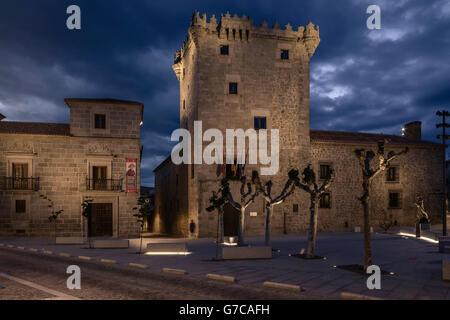 Tower of  Los Guzmanes with San Juan de la Cruz, Avila, Castilla y Leon, Spain. - Stock Photo