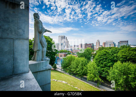 The Roger Williams Monument and view of the Providence Skyline from Prospect Terrace Park, in Providence, Rhode - Stock Photo