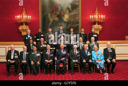 Prince Charles honours military heroes - Stock Photo