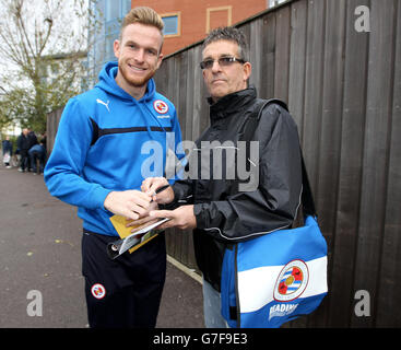 Soccer - Sky Bet Championship - Reading v Charlton Athletic - The Madejeski - Stock Photo