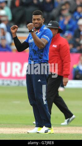 England's Chris Jordan celebrates after bowling Sri LankaÂ's Angelo Mathews caught by Jos Buttler for 56 runs during - Stock Photo