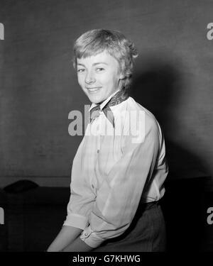 actress geraldine mcewan stock photo 20025635 alamy