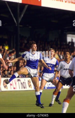 Soccer - FA Cup - Sixth Round - Luton Town v Everton - Kenilworth Road - Stock Photo