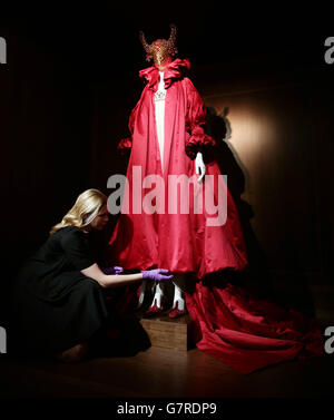 V&A Alexander McQueen: Savage Beauty - Stock Photo
