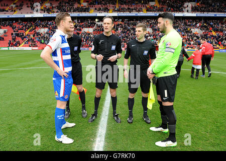 Soccer - Sky Bet Championship - Charlton Athletic v Reading - The Valley - Stock Photo