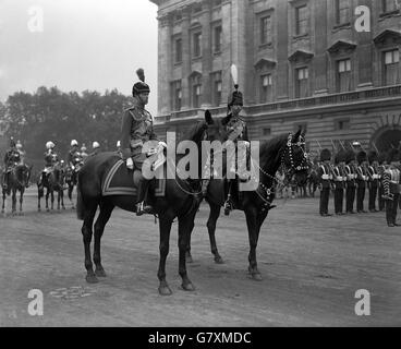Royalty - Trooping of the Colour - Buckingham Palace - Stock Photo