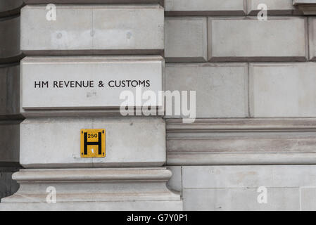 London, UK.  27 June 2016.  The HM Revenue and Customs (HMRC) office is seen in Whitehall.  The UK's tax authority - Stock Photo