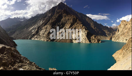 Hunza. 27th June, 2016. Photo taken on June 27, 2016 shows the scenery of Attabad Lake in northern Pakistan's Hunza. - Stock Photo