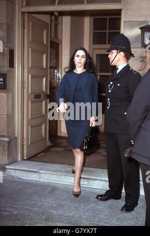 Crime - Profumo Affair - Perjury Trial - Christine Keeler - Marylebone Magistrates Court, London - Stock Photo