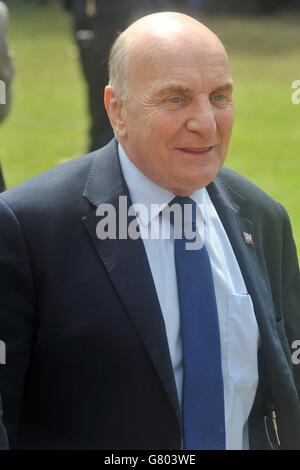 College Green, London, UK, 24 June 2016, Steve Pound opposite the Houses of Parliament to meet the press on the - Stock Photo