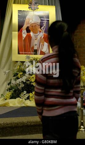 Pope John Paul II Death - The National Catholic Shrine - Stock Photo