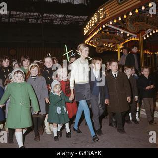Fashion - Twiggy - Bertram Mills Circus - London - Stock Photo
